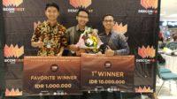 Dari kiri: Dito Abrar Amanullah, Edrian Hamidjaya, dan Reza Aulia Akbar setelah penganugerahan juara dalam Descomfirst 2019 (santrinews.com/istimewa)